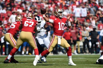 49ers Beat Rival Rams to Remain Unbeaten