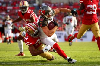 It's a Bad Sunday in Every Way for the 49ers