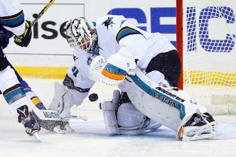 Goalies for Sharks, Penguins Have Similar Styles, Skills