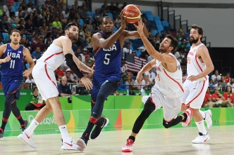 Men's Basketball: US Beats Spain, Heads to Gold Medal Game