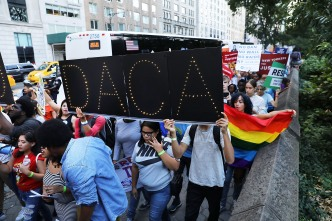 UC President, Calif. AG Urge Students to Renew DACA Status