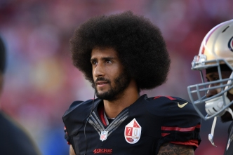 Kaepernick, 49ers Agree to Restructured Contract: Sources