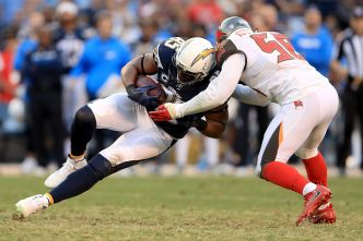 Alexander Gives 49ers an Athletic, Promising Linebacker