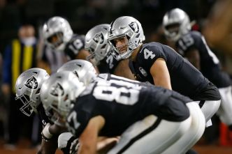 Raiders' Offensive Line Took a Bow on Opening Night