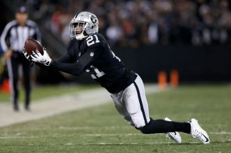 Raiders Cut Smith, Newhouse to Create Salary-Cap Space