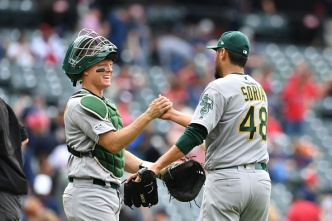 A's Sweep Indians, MLB-Leading Win Streak Now at Six