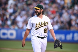 Roark, A's Beat Yankees to Complete Sweep