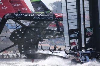 Team New Zealand Nearly Capsizes, Oracle Wins Race