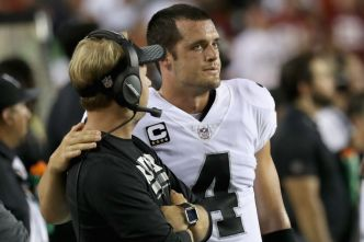 Raiders' Del Rio Believes Carr Will Play This Sunday