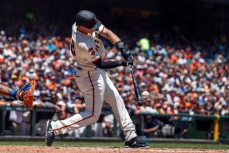 Giants Bounce Back With Another Extra-Inning Win Over Mets
