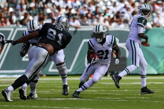 Tuck Still Playing a Big Role for Raiders