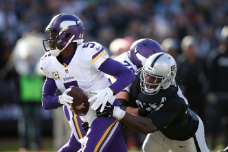 Raiders' Aldon Smith Decision Will Have to Wait