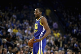 Warriors' Kevin Durant Dishes Another Assist ... With Pizza