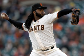 Giants Walk Off in Cueto's Complete Game
