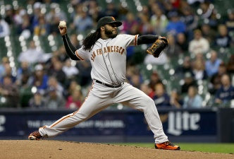 Cueto Strong as Giants Drop Brewers 2-1