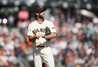 Bumgarner Gets Little Support as Giants Are Swept by Padres