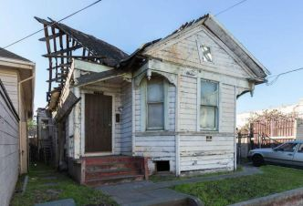 Uninhabitable Oakland House Hits Market for Nearly $400K