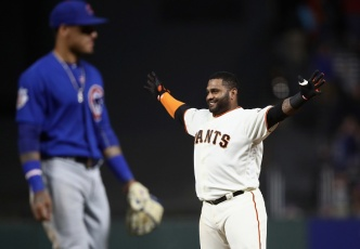 Sandoval Wins it For Giants With Walkoff Hit in the 11th