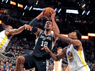 Warriors Fall to Spurs, Swept in Three-Game Texas Swing