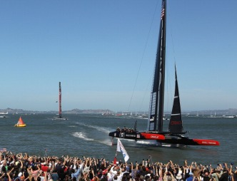 Oracle Team USA Fans Eager for Comeback Victory