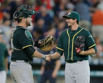 Graveman Pitches Into 9th, A's Hold Off Astros
