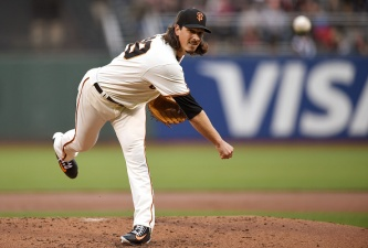 Giants Continue Dominance of Padres With 8-2 Win