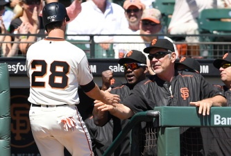 Giants Tame Diamondbacks, Move to 1 Game Behind Dodgers