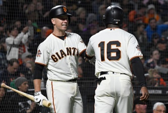 Giants Battle Back to Beat Reds, Win Third Straight