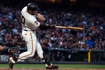 Giants Hold on in 9th to Beat Padres 4-2