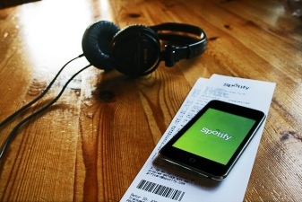 Spotify Looks to Disrupt Apple's Music Stream