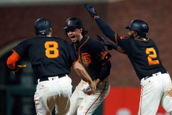 Giants Rally Late, Walk-Off on D'backs in Extras