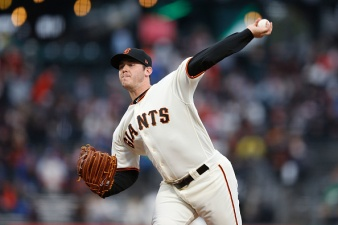 Blach, Bullpen Shut Down Dodgers, Giants Win Fifth Straight