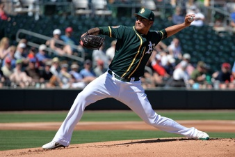 Manaea Hangs Tough With Cueto as Giants Beat A's