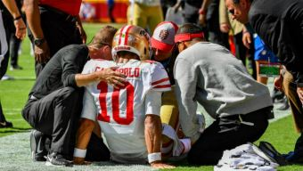 49ers' Garoppolo Done for the Season With Torn ACL