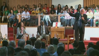 Bernie Sanders Visits Allen Temple Baptist Church in Oakland to Pursue Black Voters
