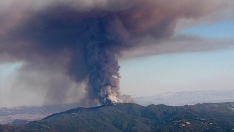 Wildfire in Santa Cruz Mountains Prompts Evacuations, Threatens 300 Structures