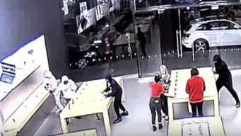 Apple Stores Hit by Smash-and-Grab Teams