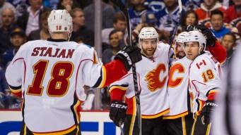 Calgary Flames Defeat Vancouver Canucks 2-1
