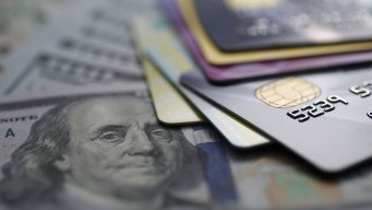A Cashless Society Would Put Millions at Risk, Research Warns