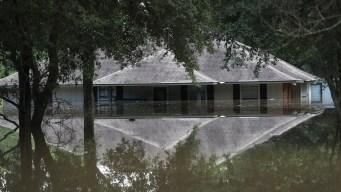 Fire Chief Dies in La. Flood Relief Bus Crash