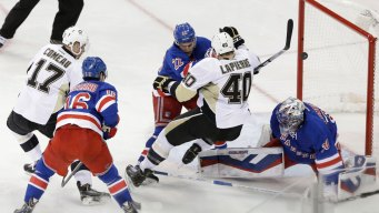 Rangers' Score in First Period Wins Game Against Penguins