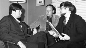 Muckraking Journalist Warren Hinckle Dies