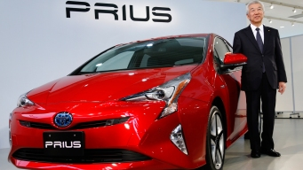 Toyota Starts Sales of 4th Generation Prius Hybrid