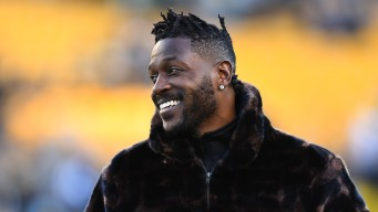 Antonio Brown Closer to Practicing Full Time With Raiders