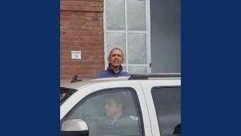 Barack Obama Visits Airbnb Office in San Francisco
