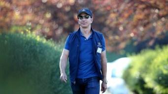 Bezos Worth Over $100B After Amazon's Black Friday Rally