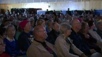 Congressman Holds Town Hall Meeting on Shutdown