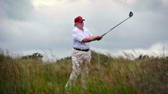Trump's Weekends in Florida Include Work and Golf