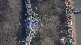 Train Crash in Germany Kills 9, Injures 150