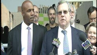 Raw Video: Bonds and Lawyer Make a Statement